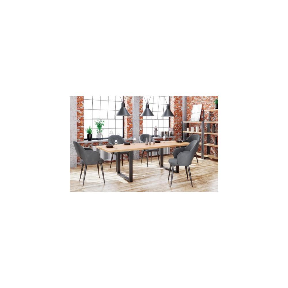 Stół w jadalni z szarymi krzesłami